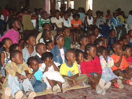 Children listening to a Gospel presentation, Zambia 2004